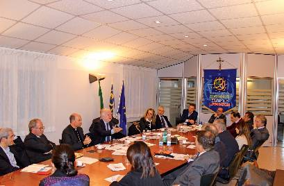 TRAGUARDI SOCIALI / n.97 Gennaio / Febbraio 2020 :: Il Segretario Generale della Cei visita la sede nazionale del MCL
